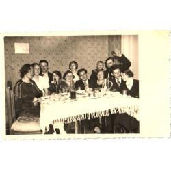 Pidu laua ääres, enne 1940