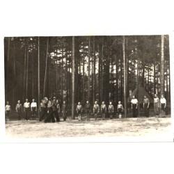 Skautide rivistus laagris,...